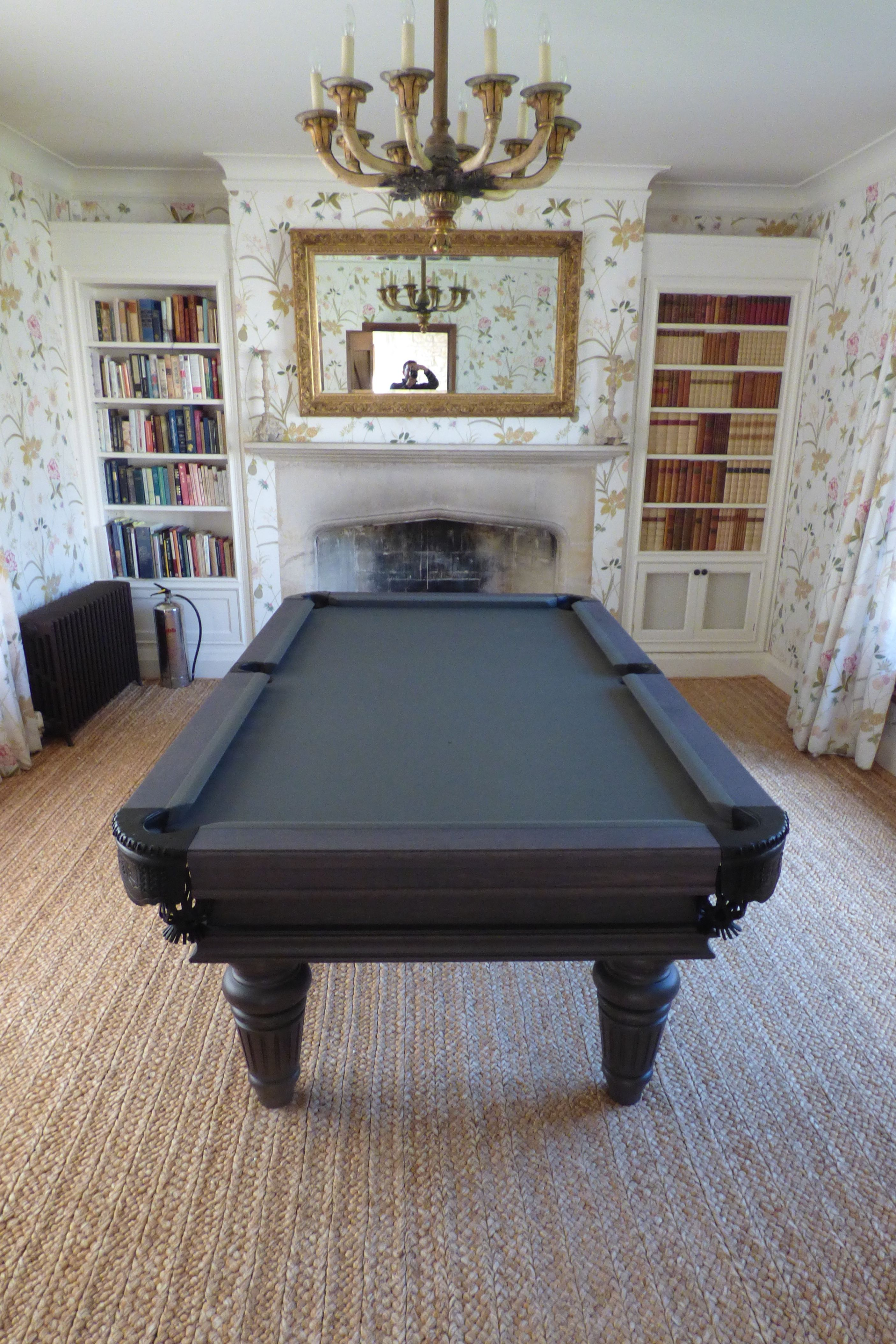 Traditional Pool or Snooker Table Pool table, Luxury