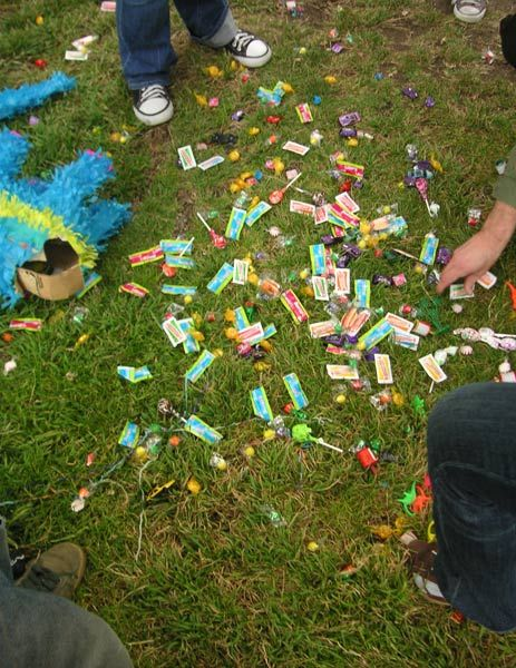 Funny Things To Put In A Pinata : funny, things, pinata, Things, Piñata, Aren't, Sugar, Pinata, Fillers,, Girly, Birthday, Party,, Party