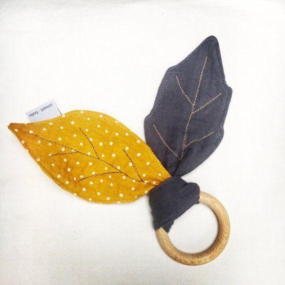 Photo of Knistertuch Blätter mit Beißring Musselin