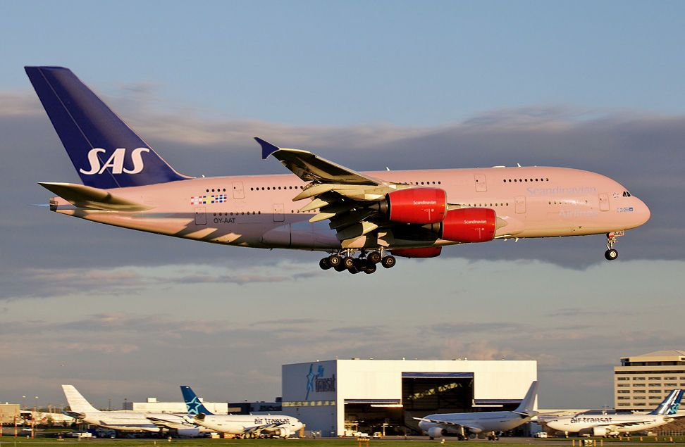 Scandinavian Airlines System Airbus A380 800