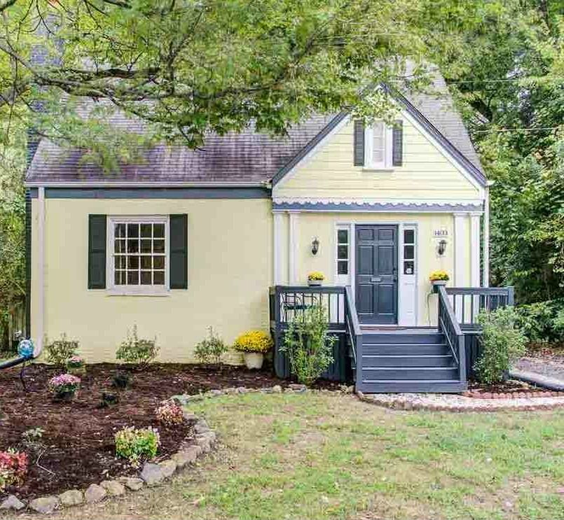 """Hilary Farr Kitchen Designs: For Sale: A 1940s Bungalow Seen On """"Love It Or List It"""