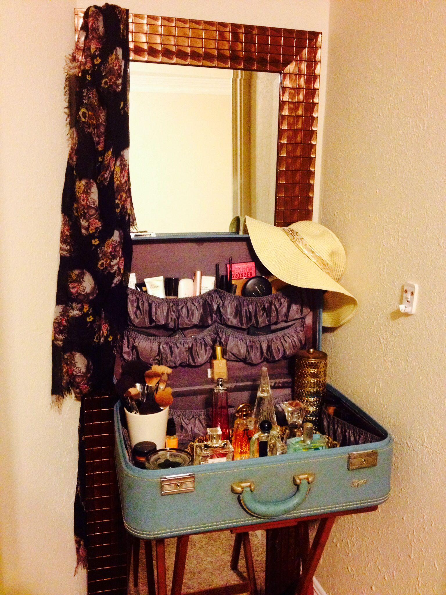 Repurposed Vintage Suitcase As Vanity Inspired To Make My