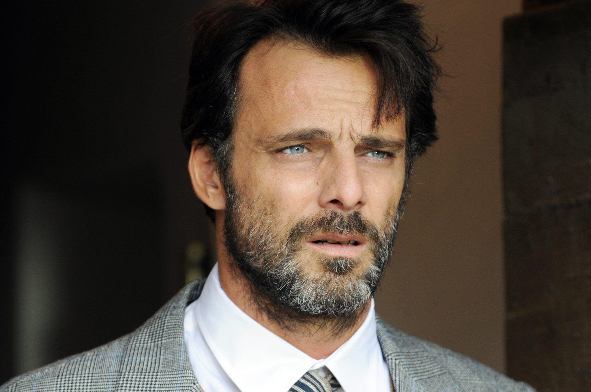 интересующим вопросам фото рейтинг красивых итальянских актеров меня вот осталось