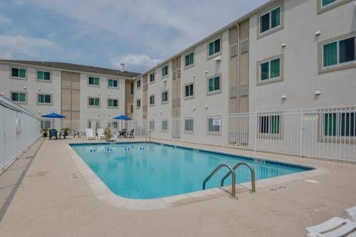 Motel 6 Biloxi Beach Biloxi Mississippi Located Opposite The
