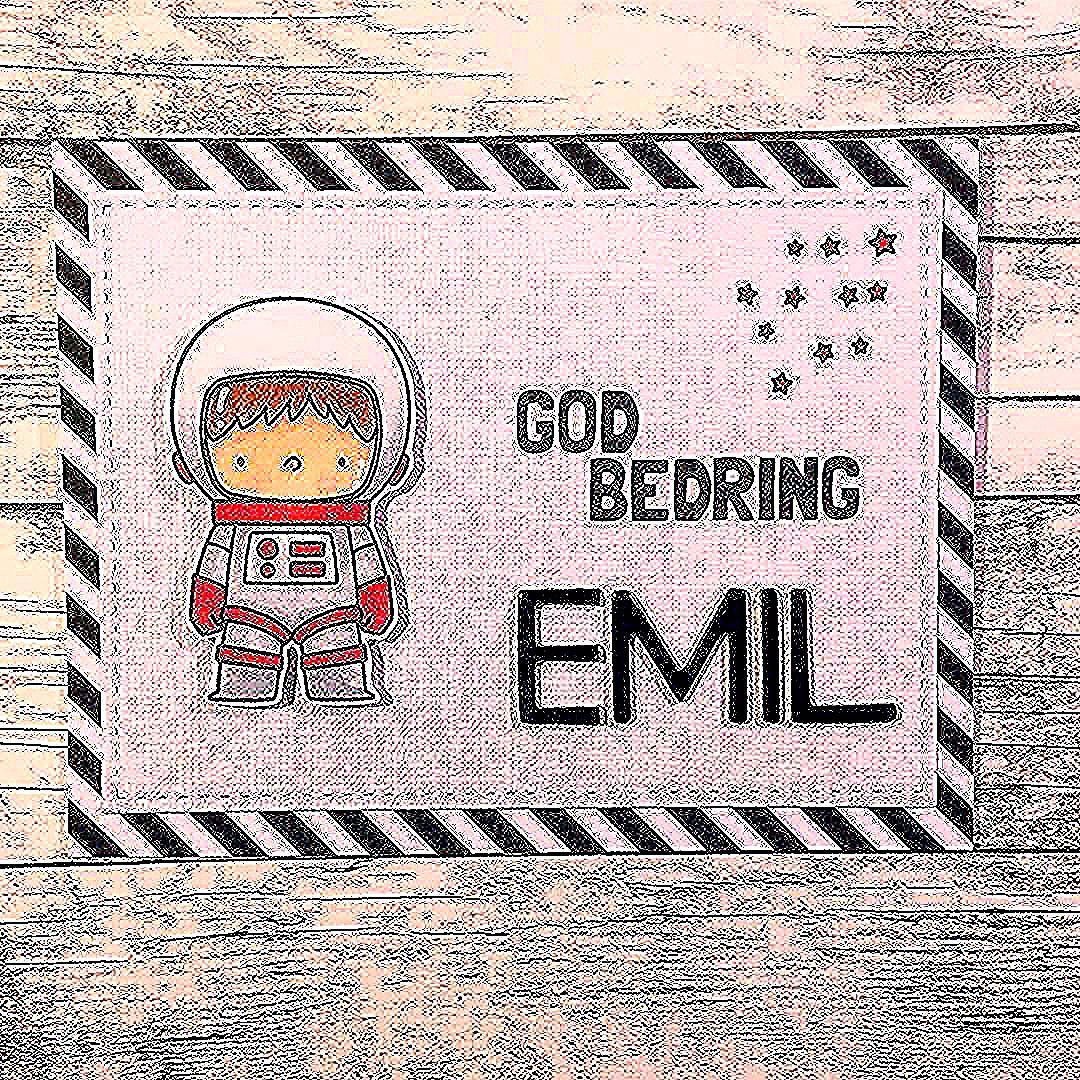 ❤️Visiting my sick nephew ❤️ and gave him this little card ❤ Get well soon Emil 🙏🏼 #mitkammer #cardmaking #mftstamps #spaceexplorer #astronaut #getwellsoon #goawaybadbug #craftygirl #happytime