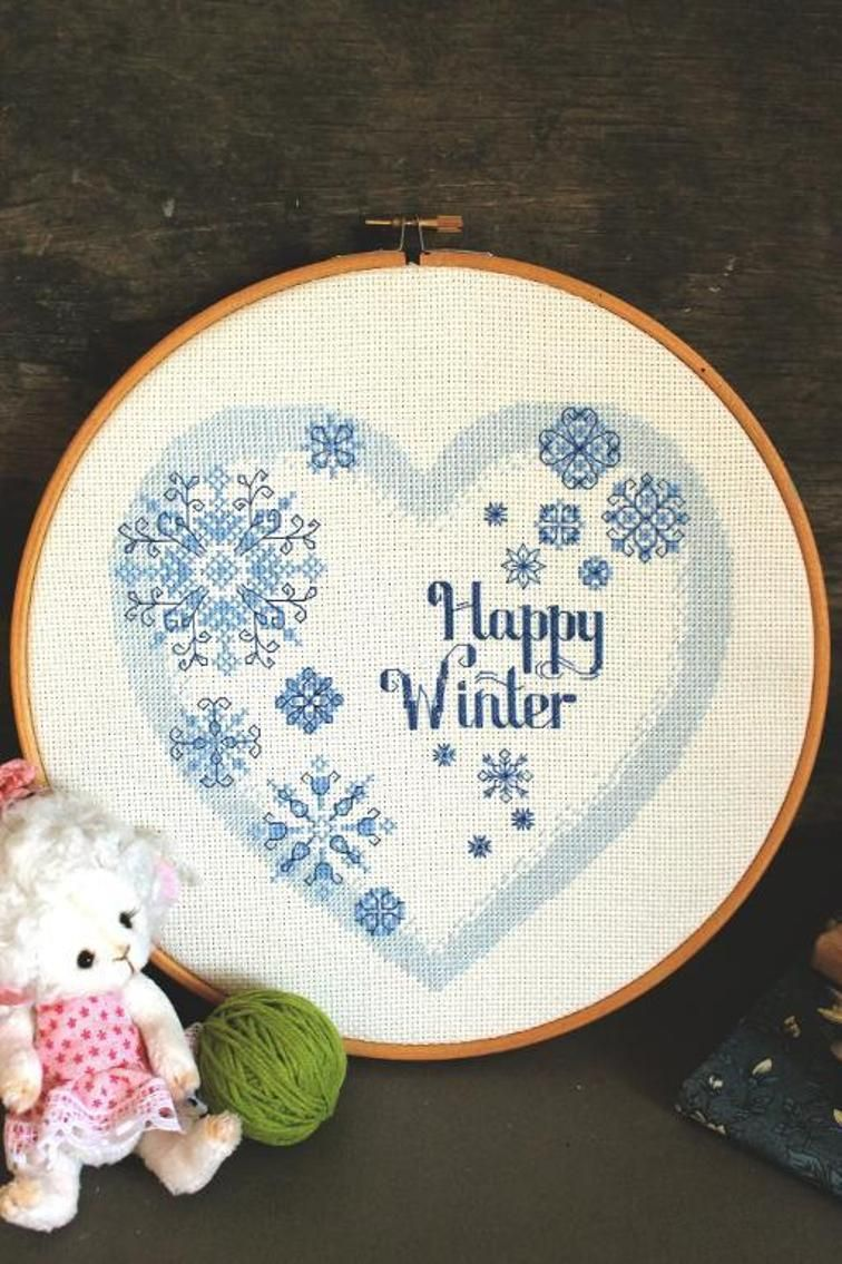 Heart pattern with snowflakes | Craftsy | Machine Embroidery | Pinterest