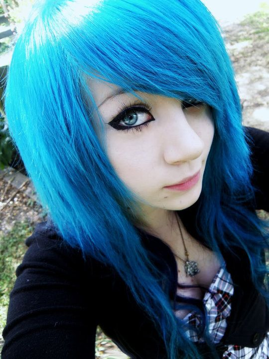 Blue Scene Hair I M Not Into The Scene Style But Her Hair Is Awesome Goth Hair Hair Dye Colors Dyed Hair