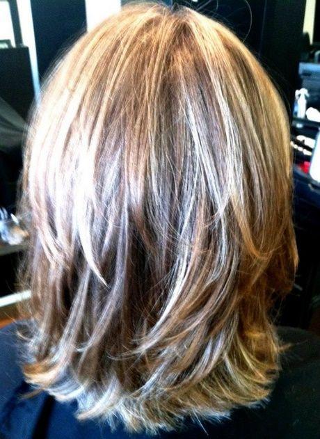 Schulterlange Haarruckansicht Bob Stufenschnitt Frisuren Pony Short Lo Schone Frisuren Mittellange Haare Frisuren Mittellanges Haar Frisuren Schulterlang