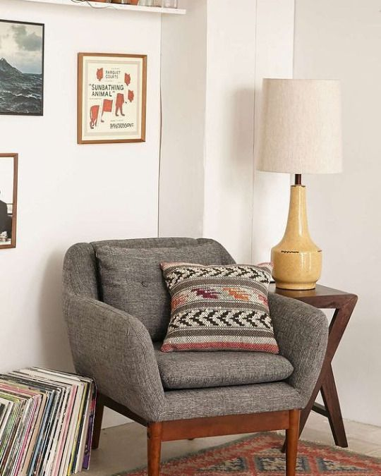 Vintage Living Room Ideas For Small Spaces: Retro Home Decor, Apartment Living Room
