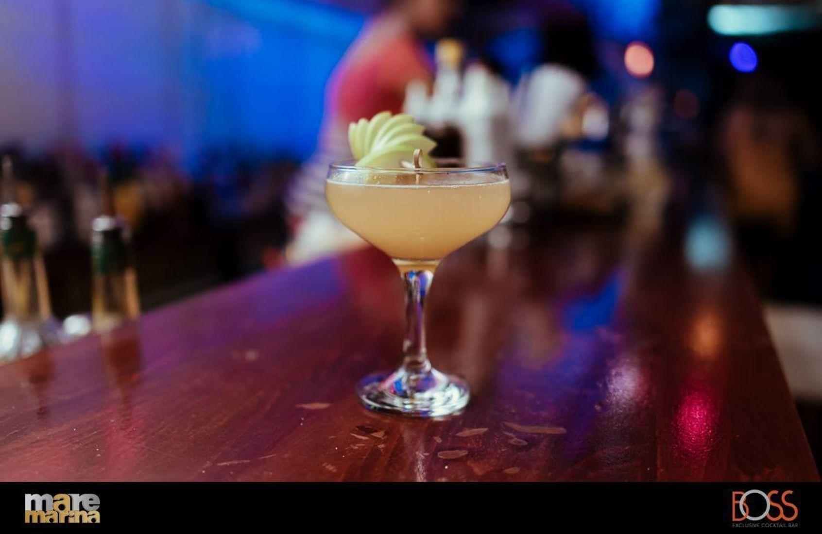 Relaxing after a long day!  Boss Exclusive Bar Mαρίνα Φλοίβου Κτίριο 6-Παλαιό Φάληρο info@maremarina.gr www.maremarina.gr #MarinaFloisvou #Taste #food#Taste#Mood#bonappetit# #Cafe | #Cocktails | #Pamebossexclusivecooctailbar