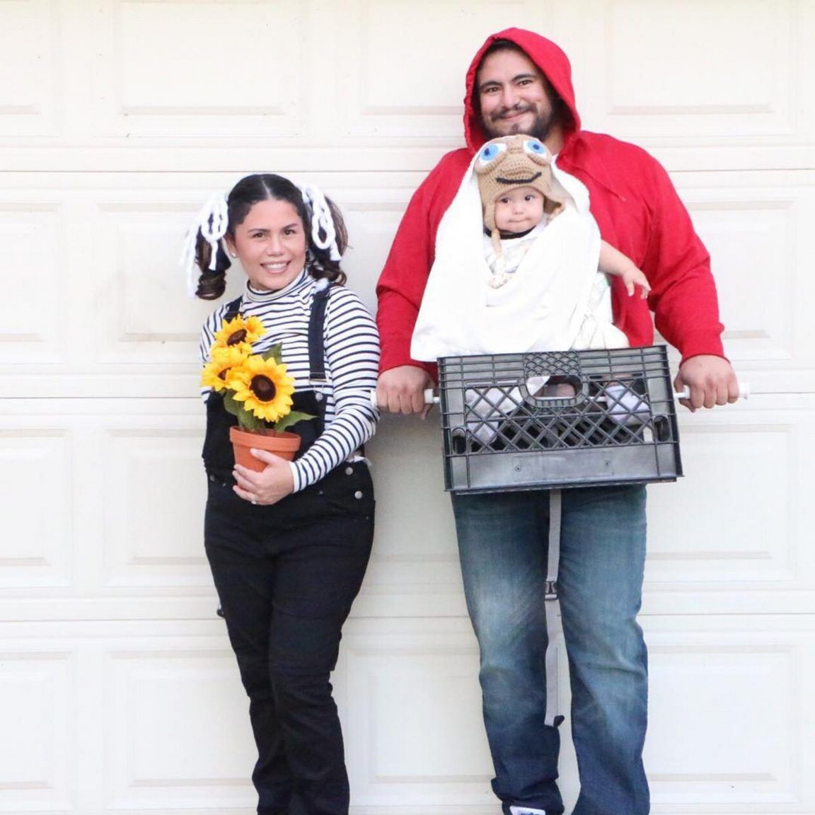 17 Hilarious Halloween Costumes for Babies and Parents! #funnyhalloweencostumes