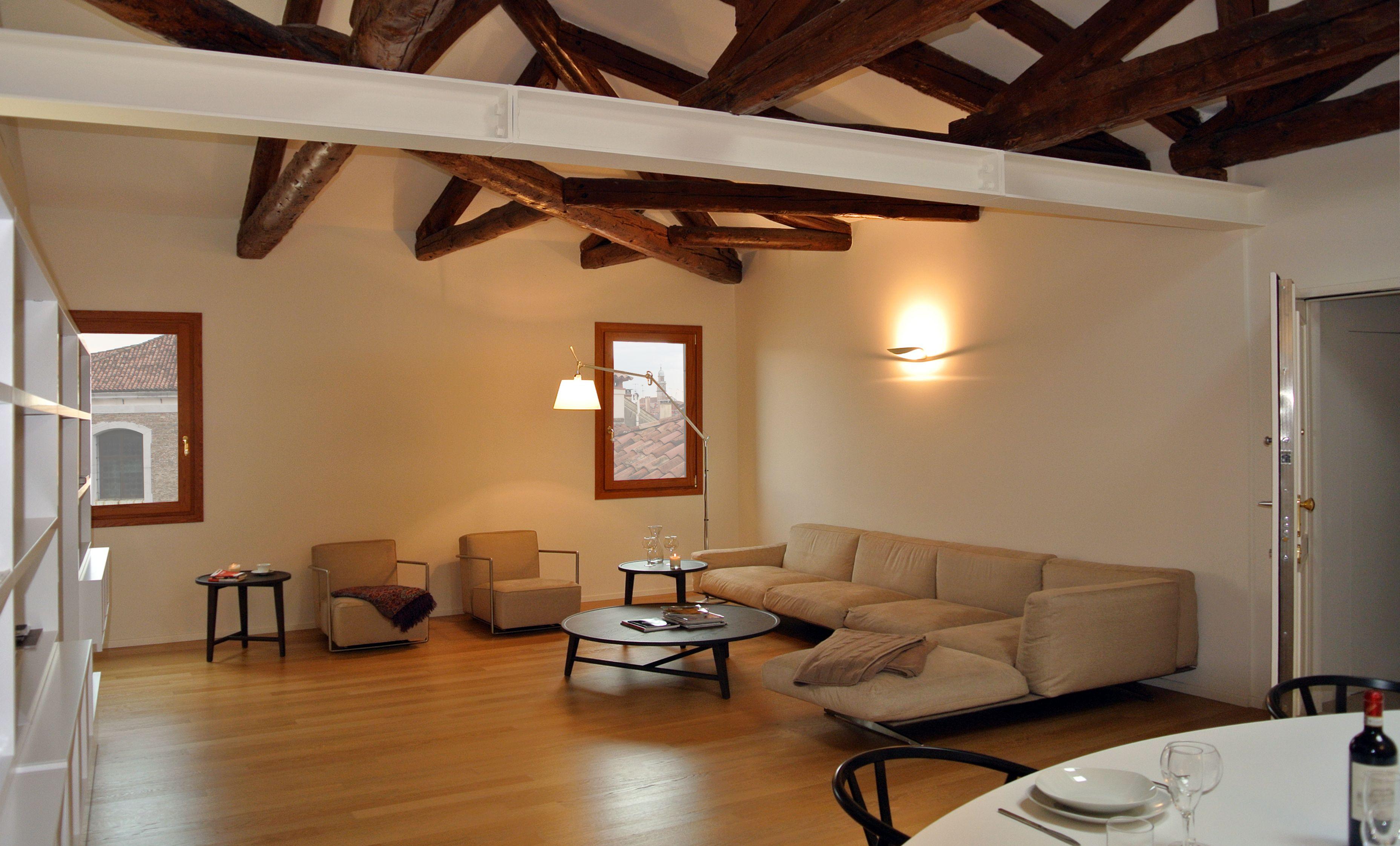 Soggiorno, zona divani #architettura #interni | Attico a Venezia ...
