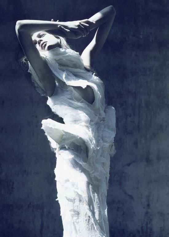 nikasoro:  by: Mario Sorrenti for:Vogue Paris 2007