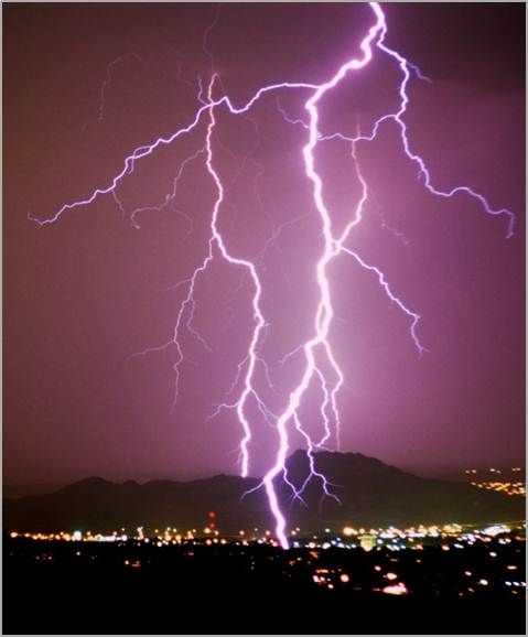 Lightning over El Paso