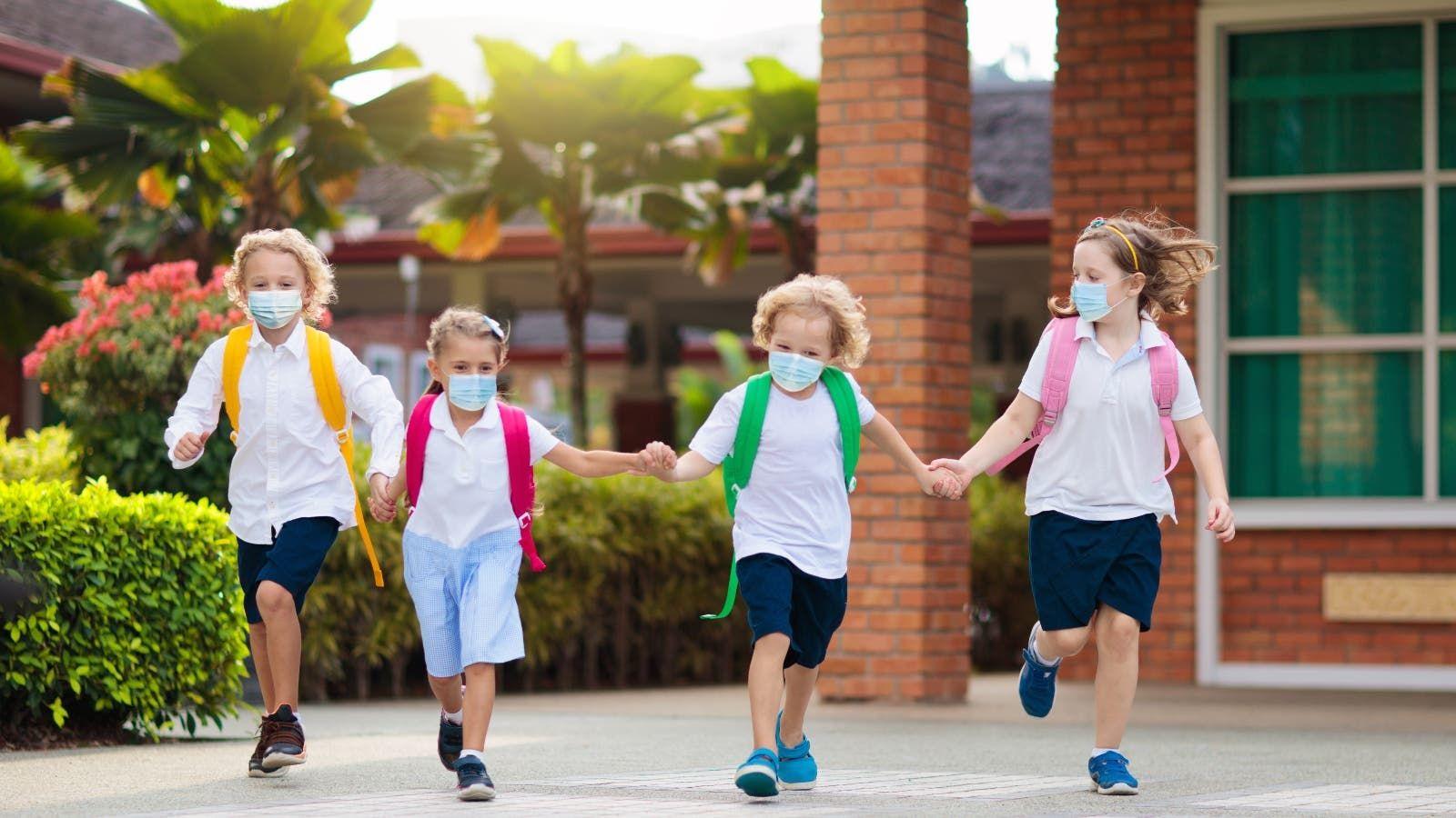 في زمن الكورونا كيف تساعدين طفلك للعودة إلى المدرسة School School Reopen Kids School