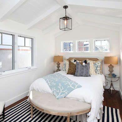 White and beachy bedroom decor