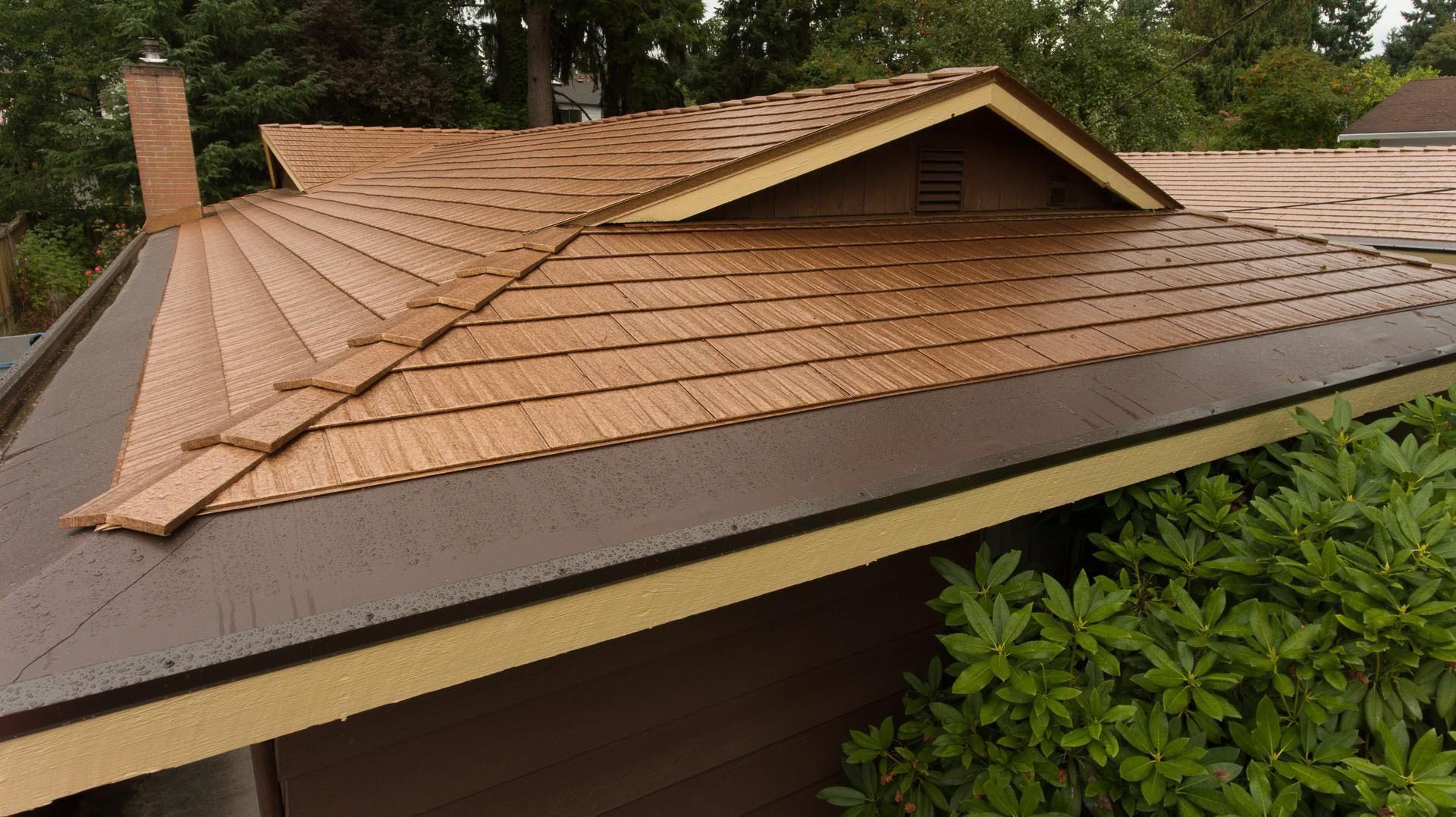 Bellevue Wa Interlock Cedar Shingle Roofing System In 2020 Cedar Shingles Metal Roof Aluminum Roof