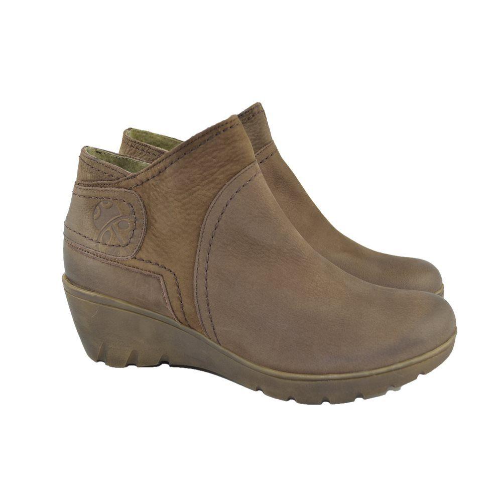 517b6b490b303 Ideales en confort y look sport... son los  botines cuña de Yokono ¿Marrón