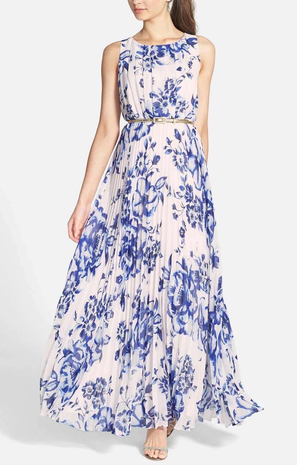 c18a220b8a6d9 So breezy and gorgeous! This chiffon maxi dress from Eliza J would ...