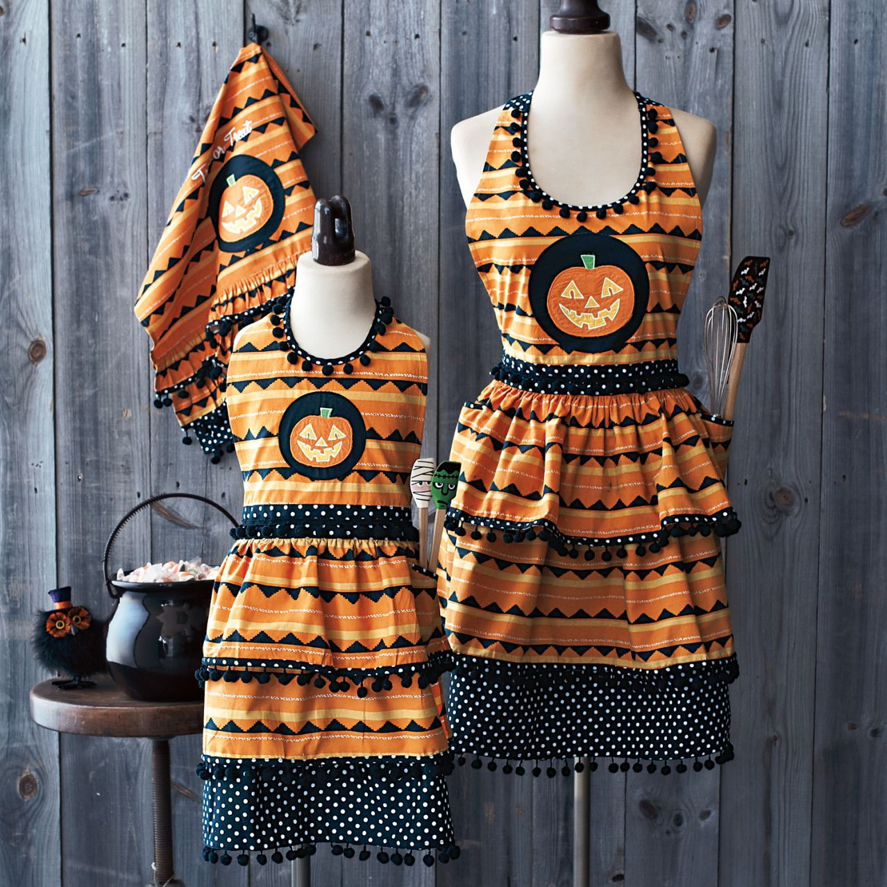 Halloween Pumpkin Apron At Sur La Table Holidays