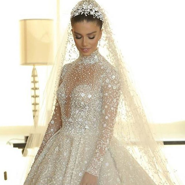 31d5f53e9377d فستان عروس تصميم زهير مراد 😍😍  zuhairmuradofficial  zuhairmurad  lebanon   wedding  weddingdress  weddingplanner  love  its your day kw  kuwait   happiness ...