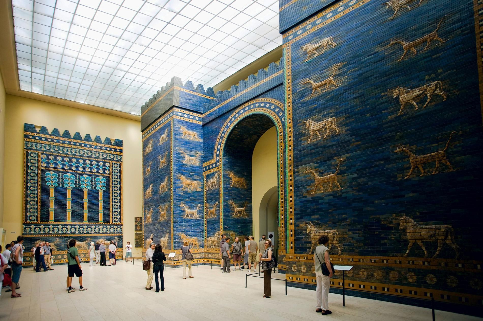 The Reconstructed Ishtar Gate Displayed At The Pergamon Museum In Berlin Incorporates Fragments From The Gatew Pergamon Museum Babylon Pergamon Museum Berlin