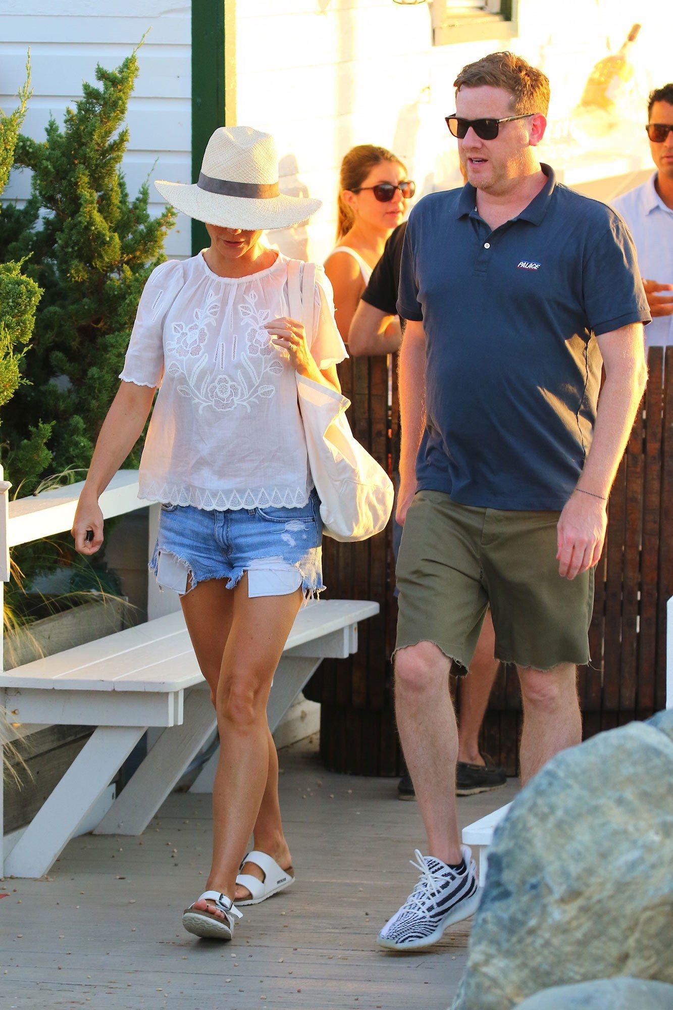 dbd66fd7b7 Gwyneth Paltrow Dusts Off Her Classic White Birkenstocks Again ...