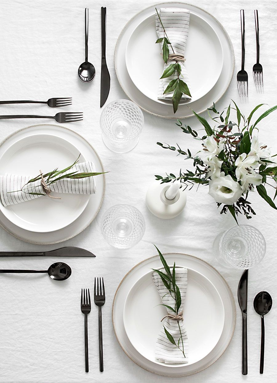 Tips to Set a Simple and Modern Tablescape Easy Ideas for Creating a Modern Minimal Table Setting | Homey Oh My!Easy Ideas for Creating a Modern Minimal Table Setting | Homey Oh My!
