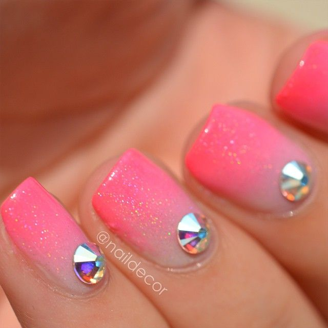 #NailArt #manucure #vernis : quand on aime le rose...