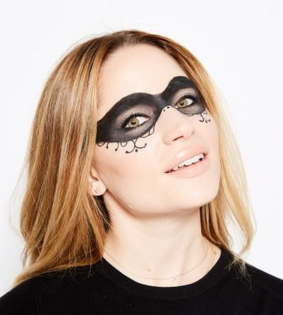 don't have a halloween costume these onepalette makeup
