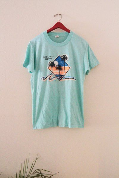 1a410f19729264 The 25 Coolest Vintage T-Shirts on Etsy Right Now | Fashion ...