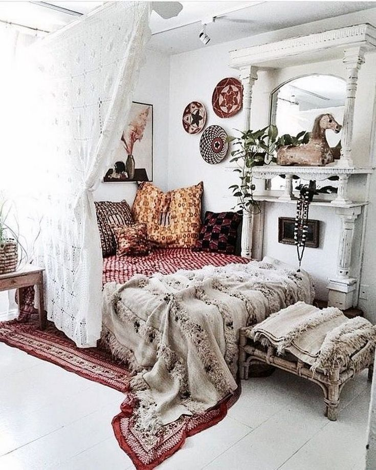 What Is The Brilliant Design For The Bohemian Style Design Shown In The Picture The Increase I Bohemian Bedroom Design Room Inspiration Bohemian Bedroom Decor