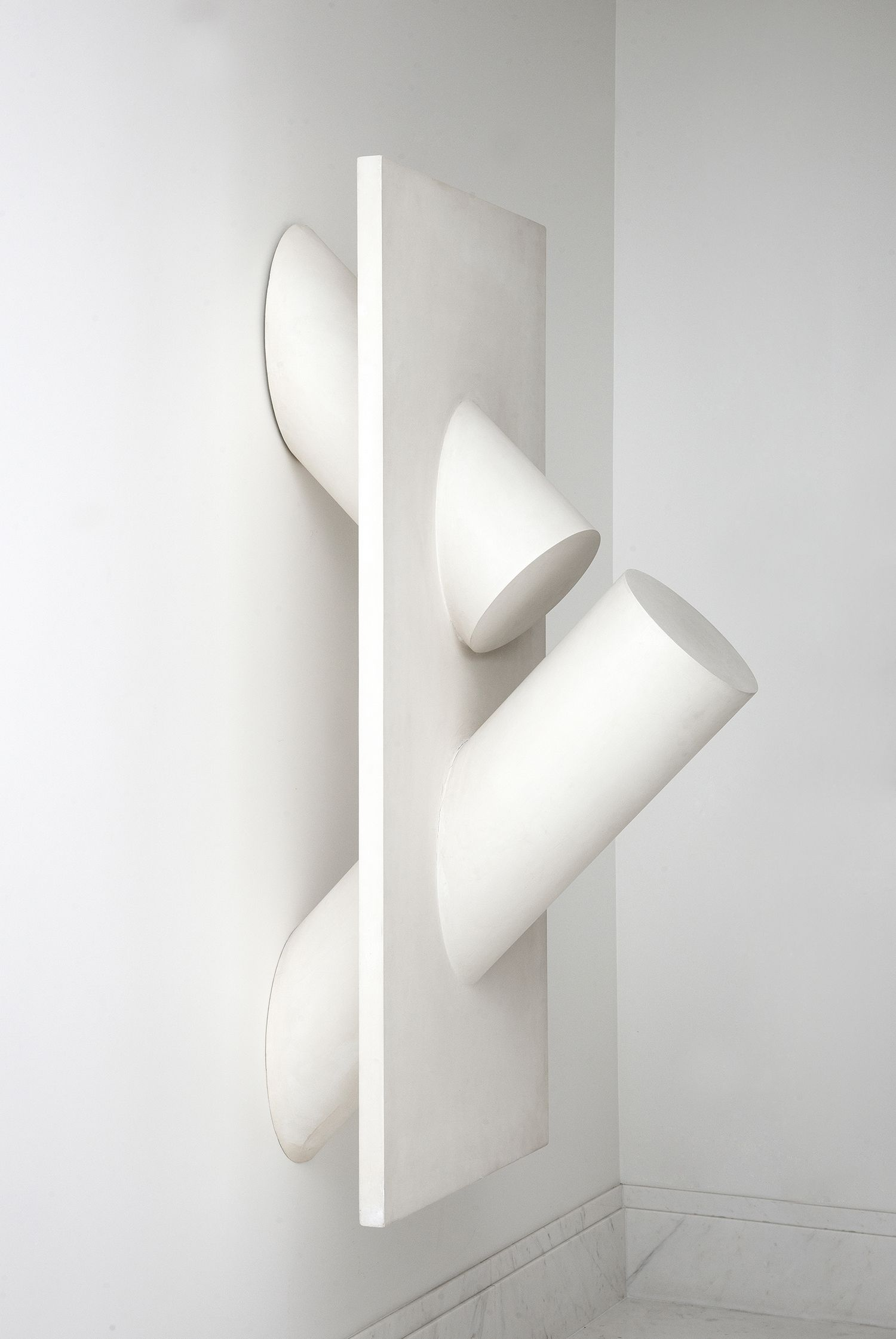 Sergio Camargo minimalist sculpture. Bc.