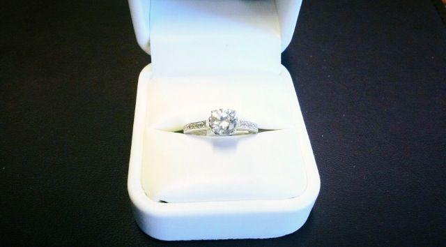 El anillo de compromiso más bonito del mundo! ❤️ #love #engaged #myoneandonly #bettertogether #forever