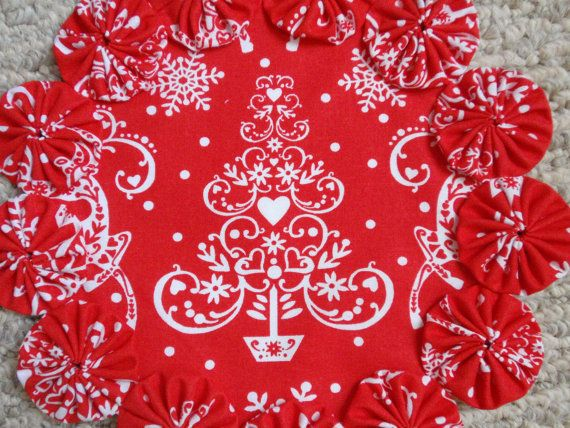 Nordic Christmas Tree in Red and White yo yo by SursyShop on Etsy, $8.00