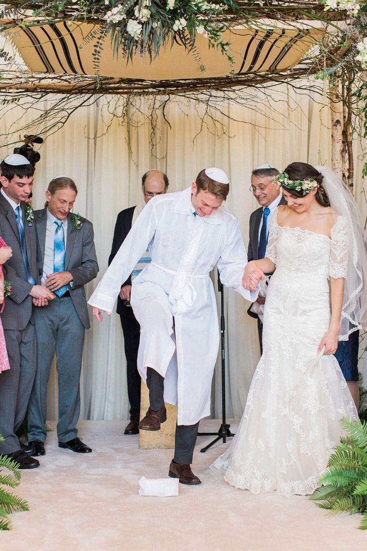 A Jewish Scandi Danish Wedding With Israeli Influences At Calhoun Beach Club Minnesota Minneapolis Usa Smashing The Glass Jewish Wedding Blog Jewish Wedding Wedding Dress Alterations Jewish Wedding Ceremony