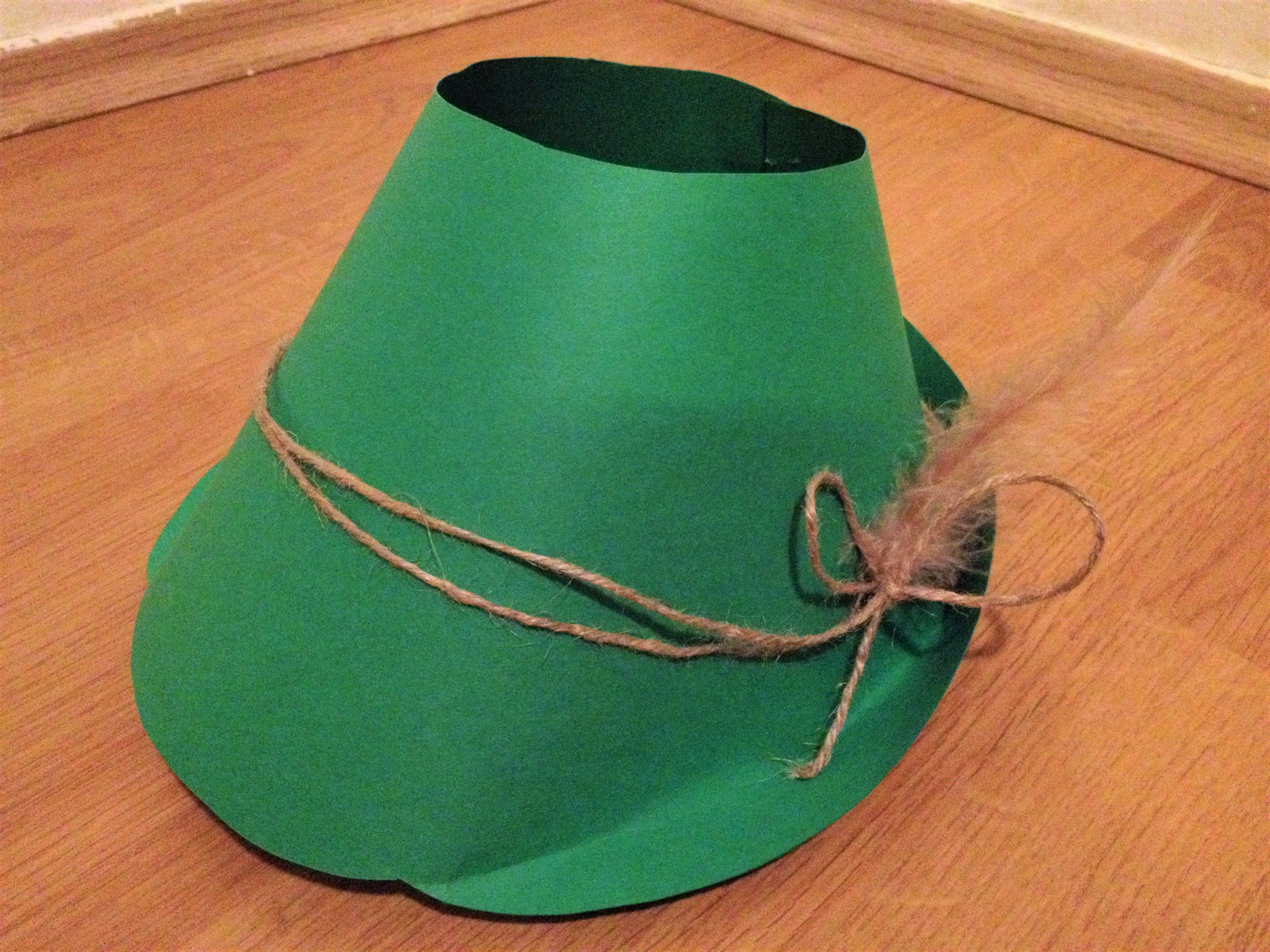 Vyrábění s dětmi. Myslivecký klobouk. Papír.  4be1c9fb99