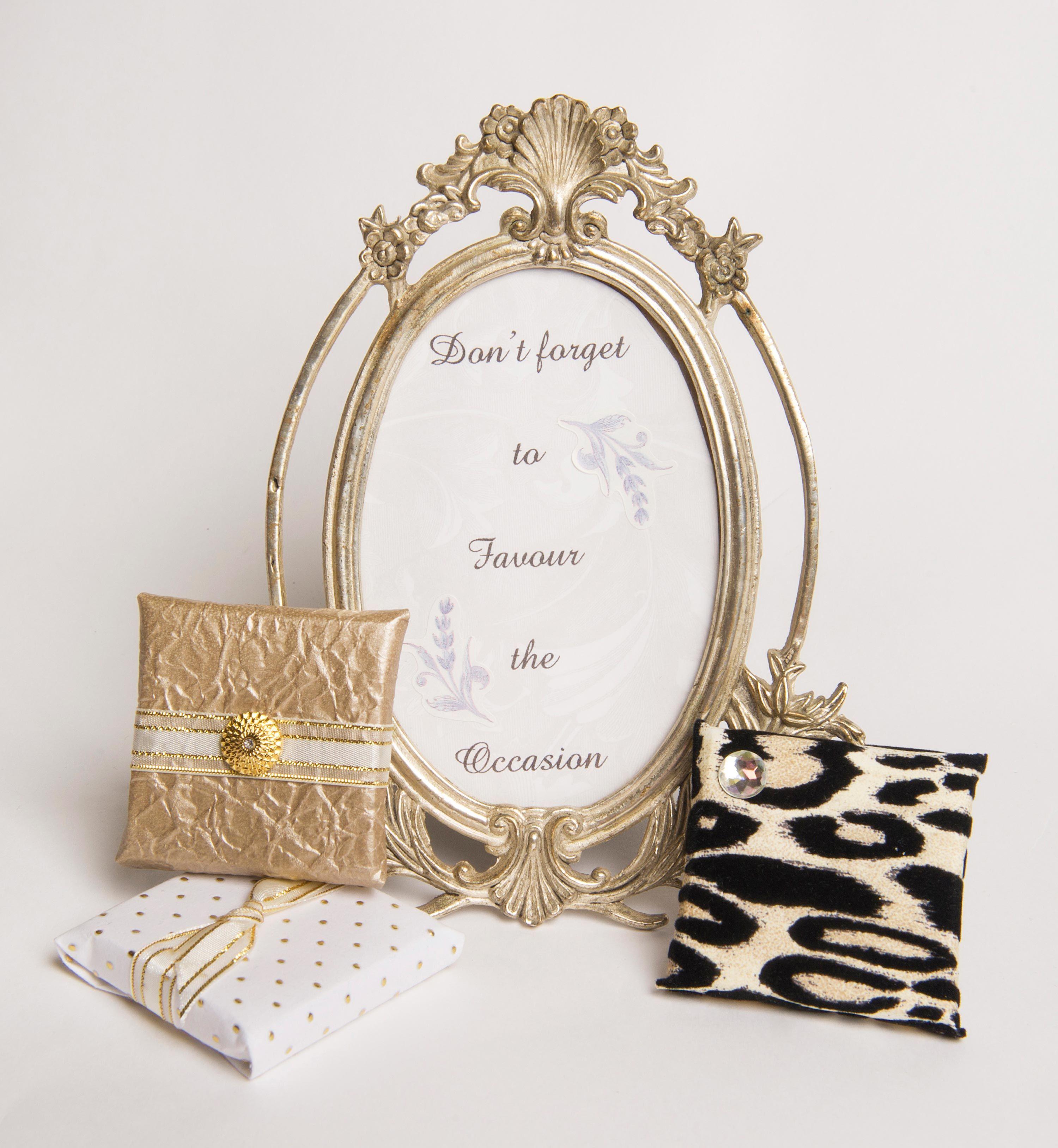 custom wrapped chocolate wedding favors | Wedding Chocolate ...