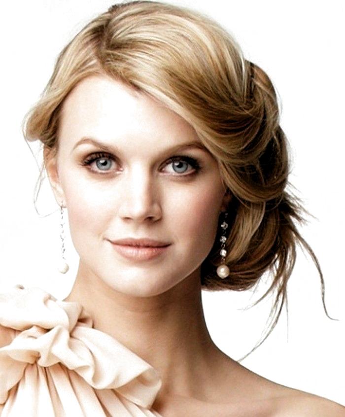Braut Make Up Subtile Make Up Blonde Haare Blaue Augen Naturlichen Look Blonde Hair Blue Eyes Blonde Hair Makeup Bride Makeup