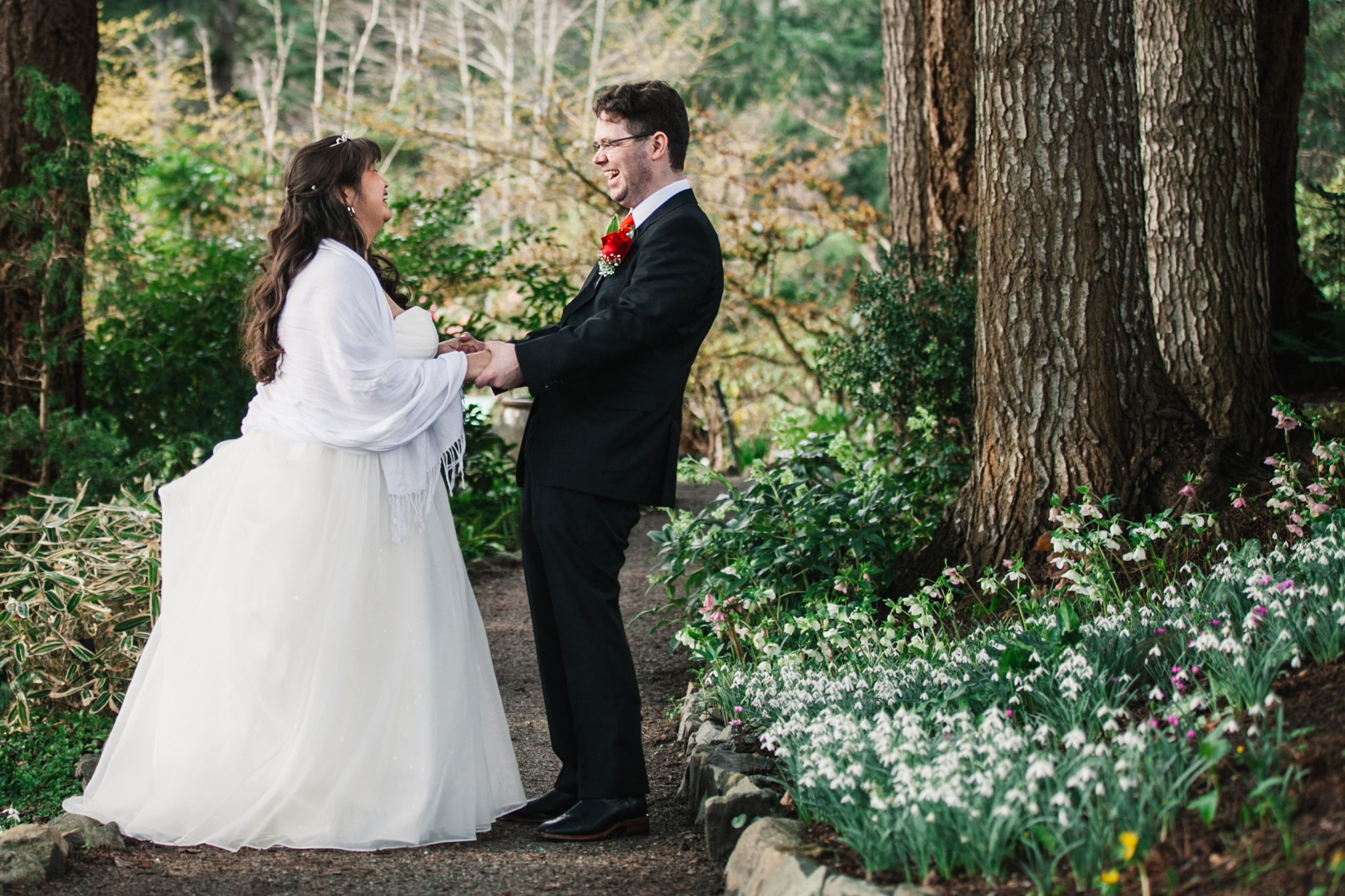 winter wedding at the gardens at hcp image by moonrise