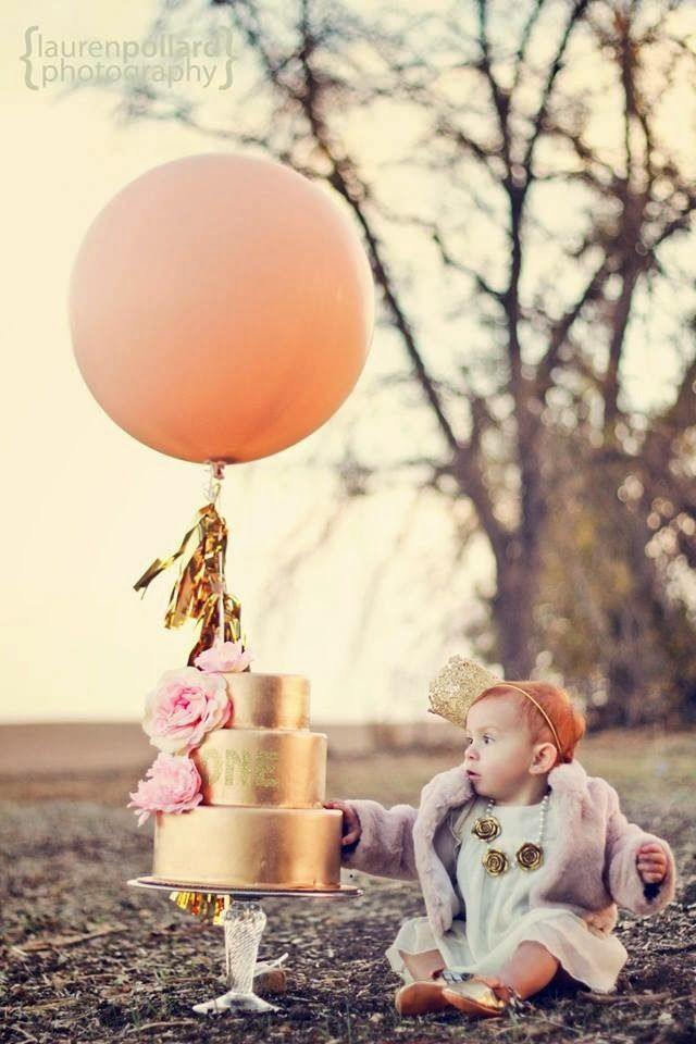 An Earthy and Exquisite First Birthday Session by Lauren Pollard Photography via Fawn Over Baby! #firstbirthday #babyphoto