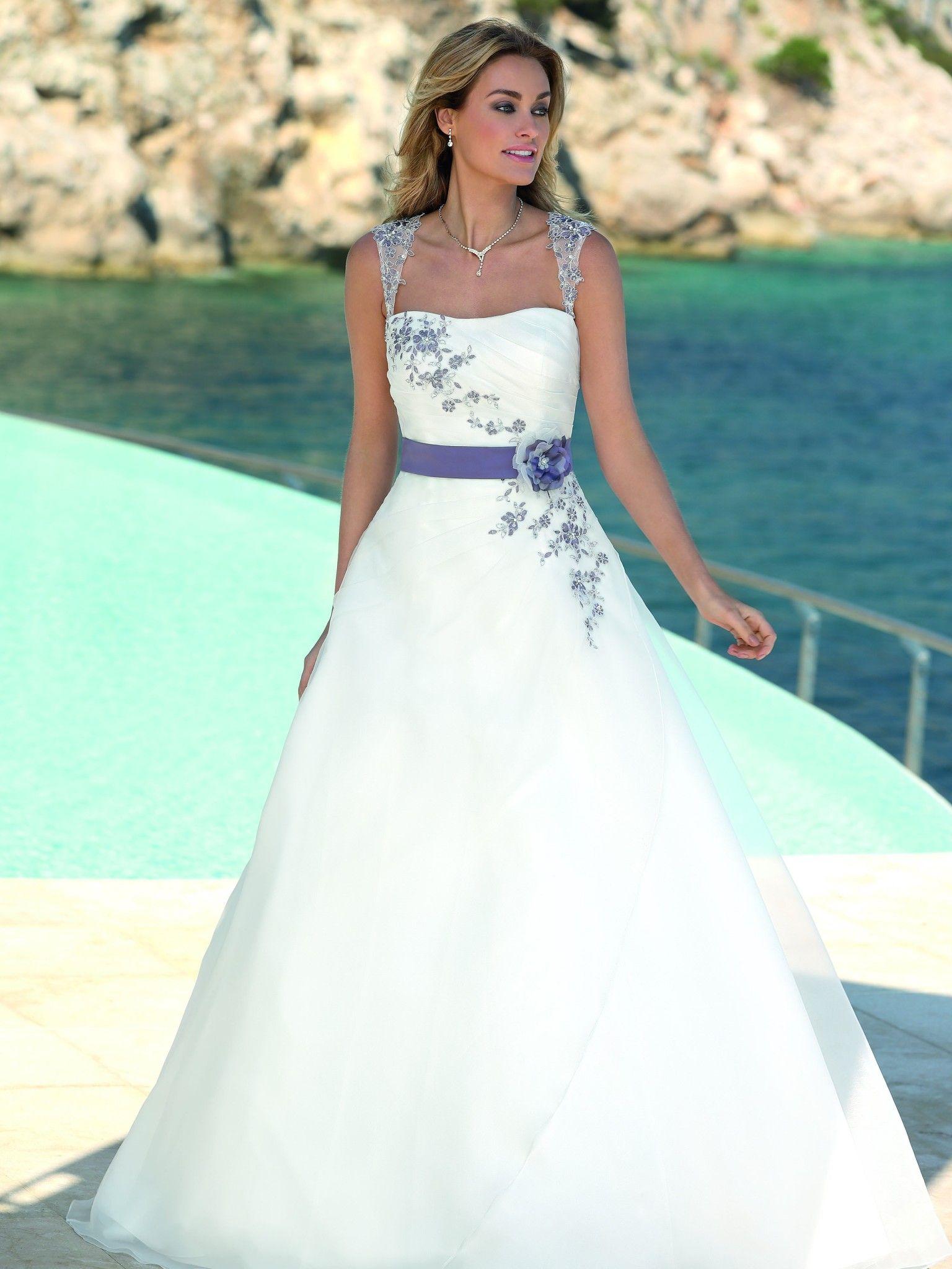 Ladybird 317032 | trouwkleed | Pinterest | Brautkleider ...