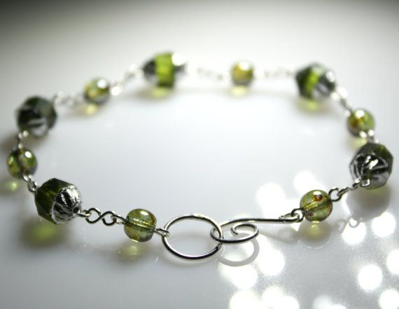 Forest  Dark Green Bracelet Turbine Glass Beaded by JosKii on Etsy, €25.00
