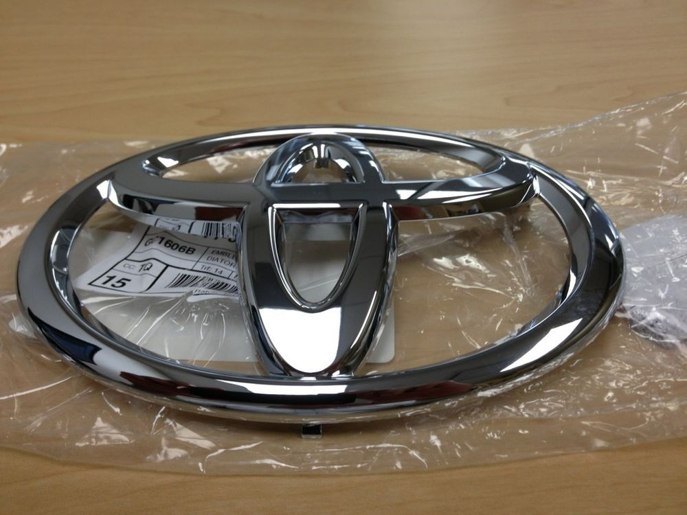 genuine toyota tundra 2013 front grille factory emblem badge 753110c030 toyota auto emblems. Black Bedroom Furniture Sets. Home Design Ideas