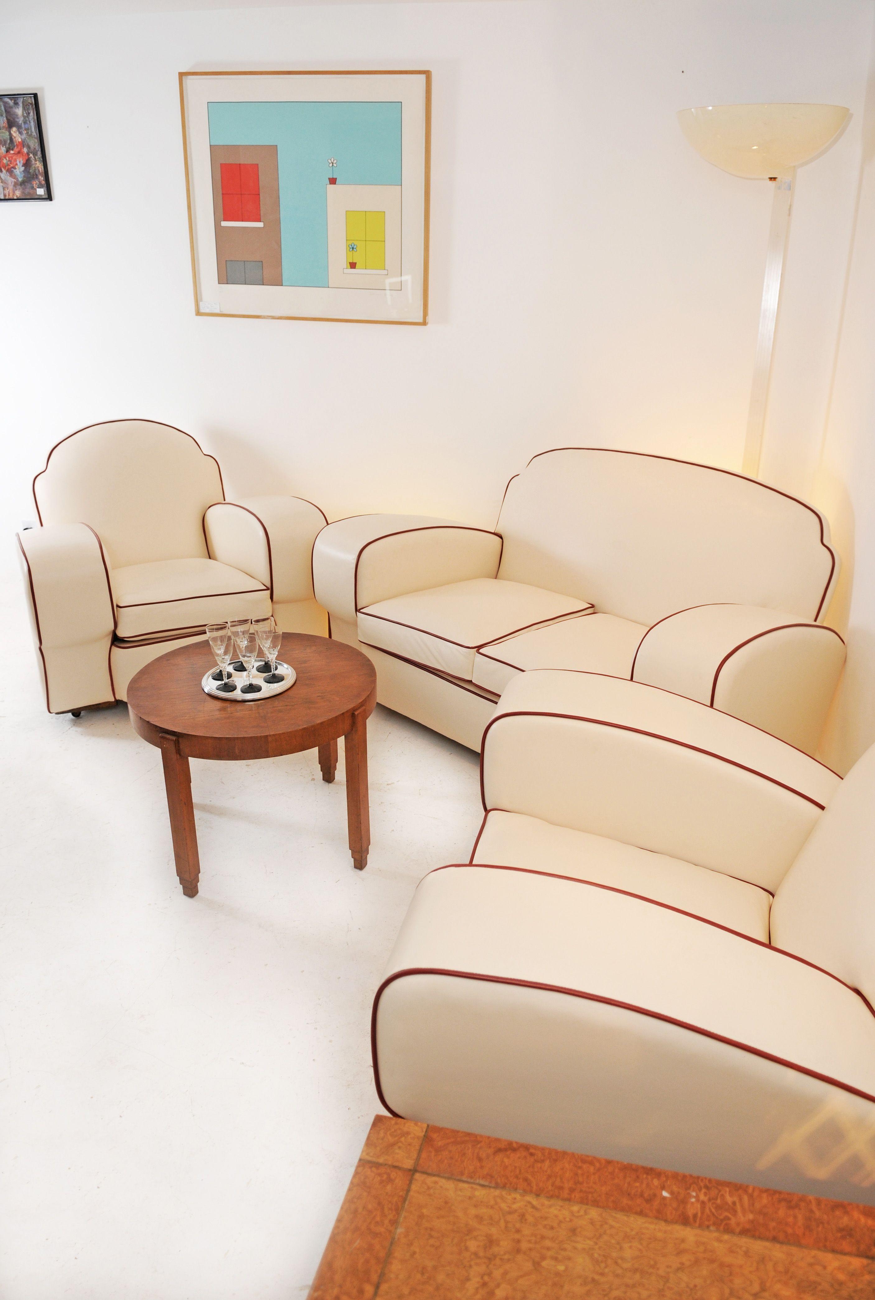 Art Decó Leather Three Piece Suite ~ https://metrodeco.wordpress.com ...