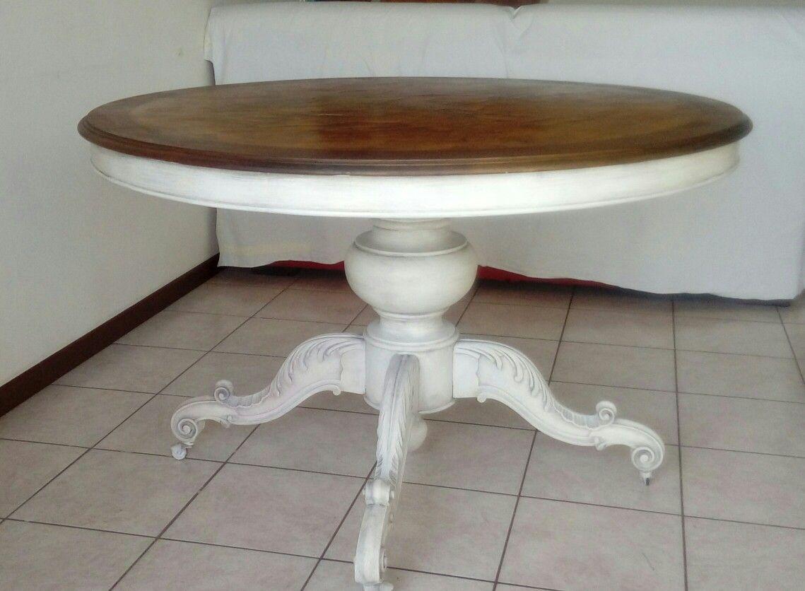 Tavolo Tondo Bianco Shabby.Tavolo Tondo Restaurato In Stile Shabby Chic Creazioni M M