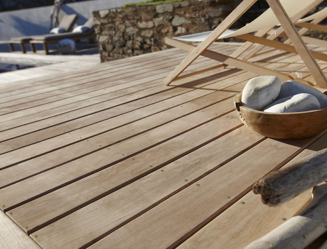 Une Terrasse En Chene Tres Resistant Plancher Bois Bois Escalier Exterieur