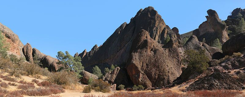 Dreaming of a return to Pinnacles National Monument - Wikipedia, the free encyclopedia Caves and Bats and Condors and beauty!