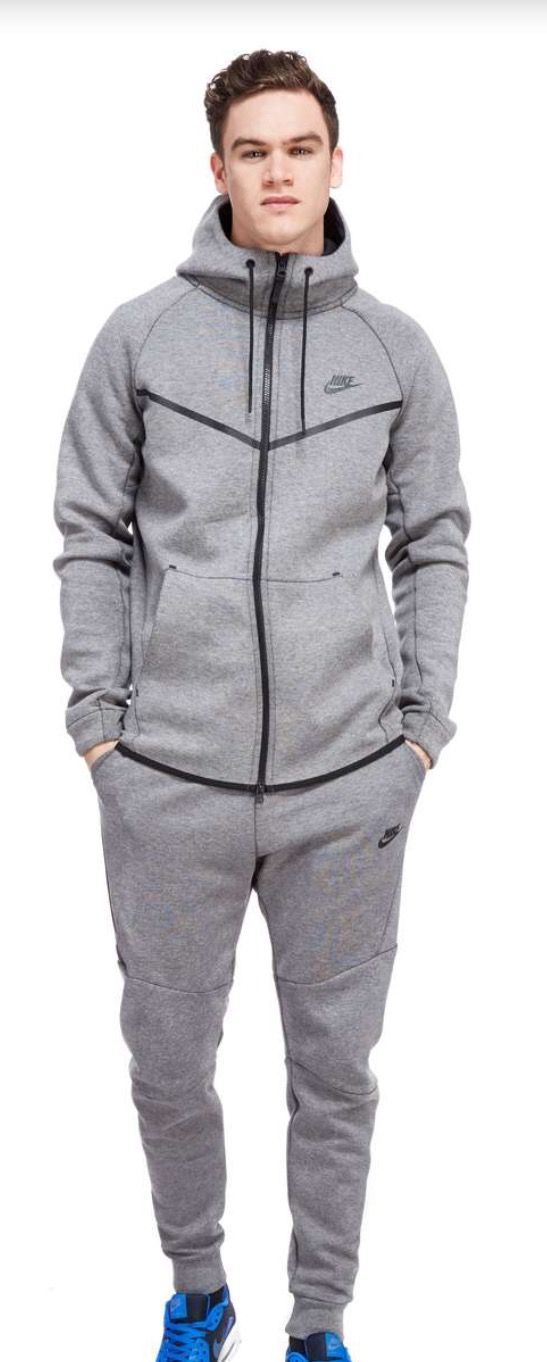 Nike tech windrunner  e8cdd0fd7
