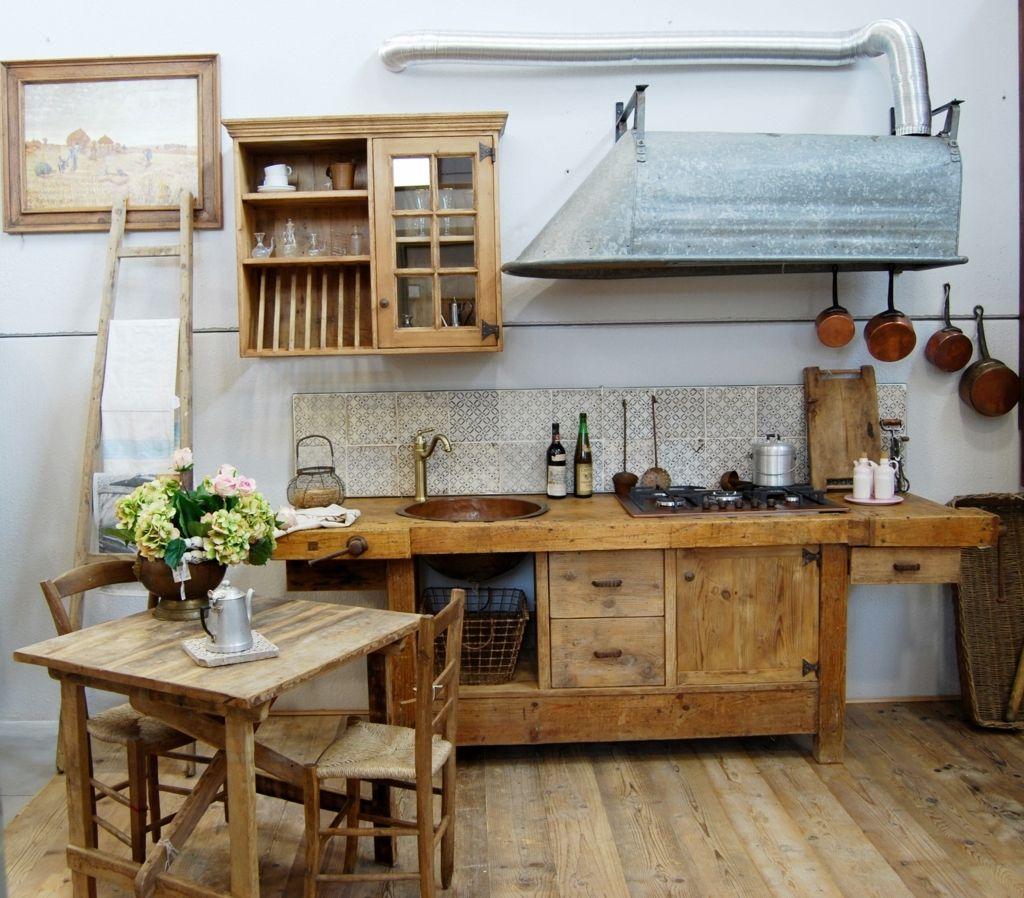 La cucina vintage l esito di una rielaborazione - Banco da lavoro cucina legno ...